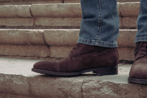 Lace-up derby boot in dark brown suede
